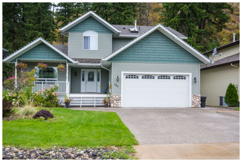 Main Photo: 740 Southeast 37 Street in Salmon Arm: Little Mountain House for sale (SE Salmon Arm)  : MLS®# 10088165
