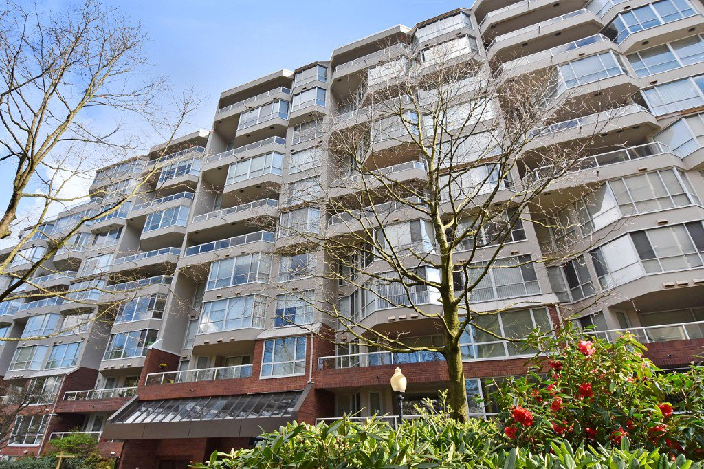 Main Photo: 601 518 MOBERLY ROAD in Vancouver: False Creek Condo for sale (Vancouver West)  : MLS®# R2047447