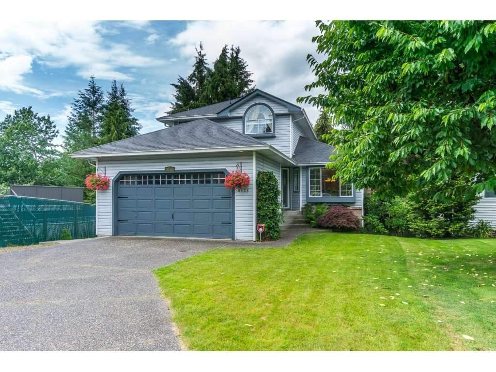 Main Photo: 9438 205B STREET in Langley: Walnut Grove House for sale : MLS®# R2126283