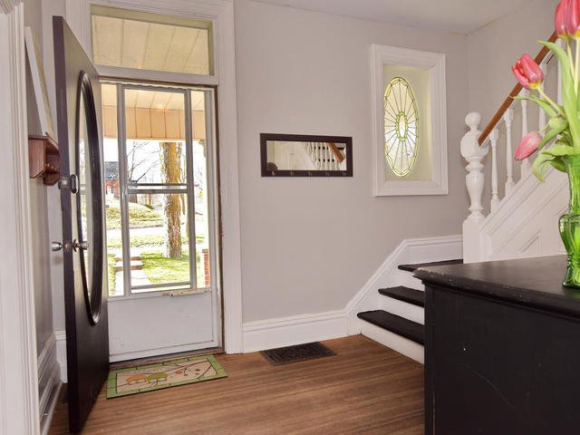 Photo 2: Photos: 92 Cameron Street East: Cannington Freehold for sale (Brock)  : MLS®# N4151963