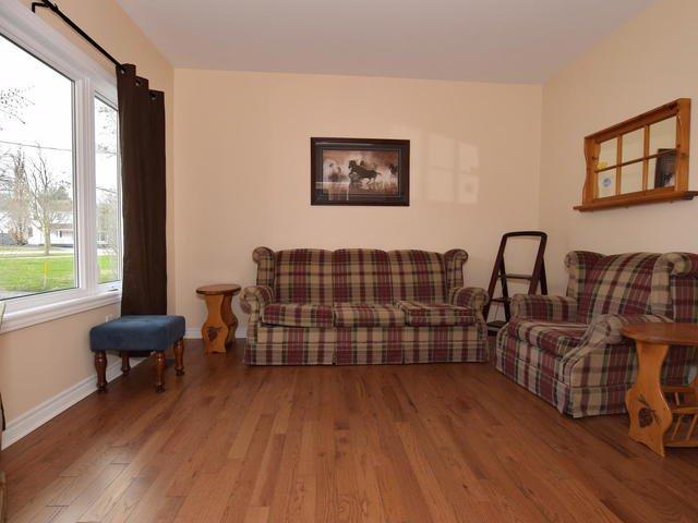Photo 8: Photos: 92 Cameron Street East: Cannington Freehold for sale (Brock)  : MLS®# N4151963
