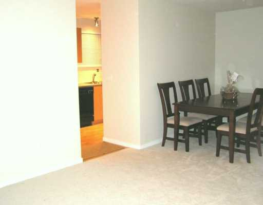 """Photo 6: Photos: 200 KLAHANIE Drive in Port Moody: Port Moody Centre Condo for sale in """"SALAL"""" : MLS®# V627818"""