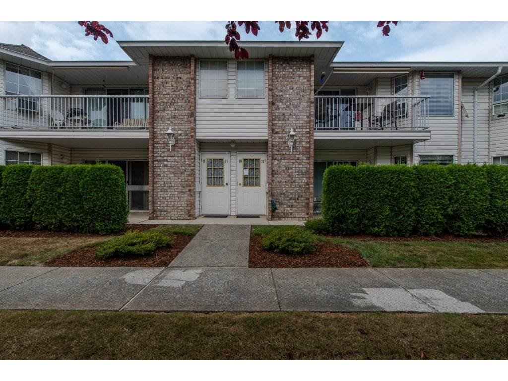 Main Photo: 12 2919 TRAFALGAR STREET in Abbotsford: Central Abbotsford Townhouse for sale : MLS®# R2299758