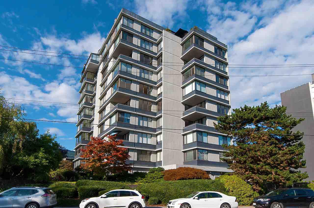 Main Photo: 701 2167 BELLEVUE AVENUE in West Vancouver: Dundarave Condo for sale : MLS®# R2301149