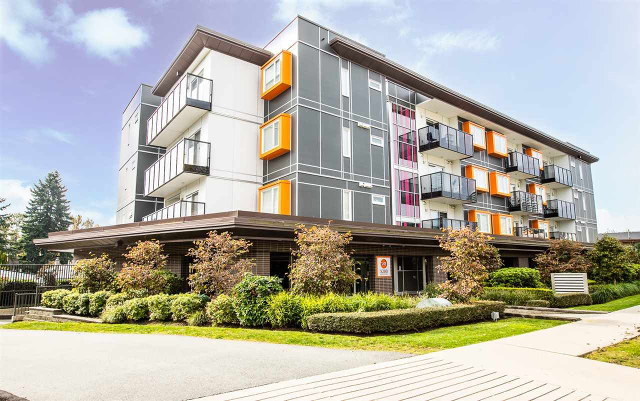 Main Photo: PH7 5288 BERESFORD STREET in Burnaby: Metrotown Condo for sale (Burnaby South)  : MLS®# R2416140