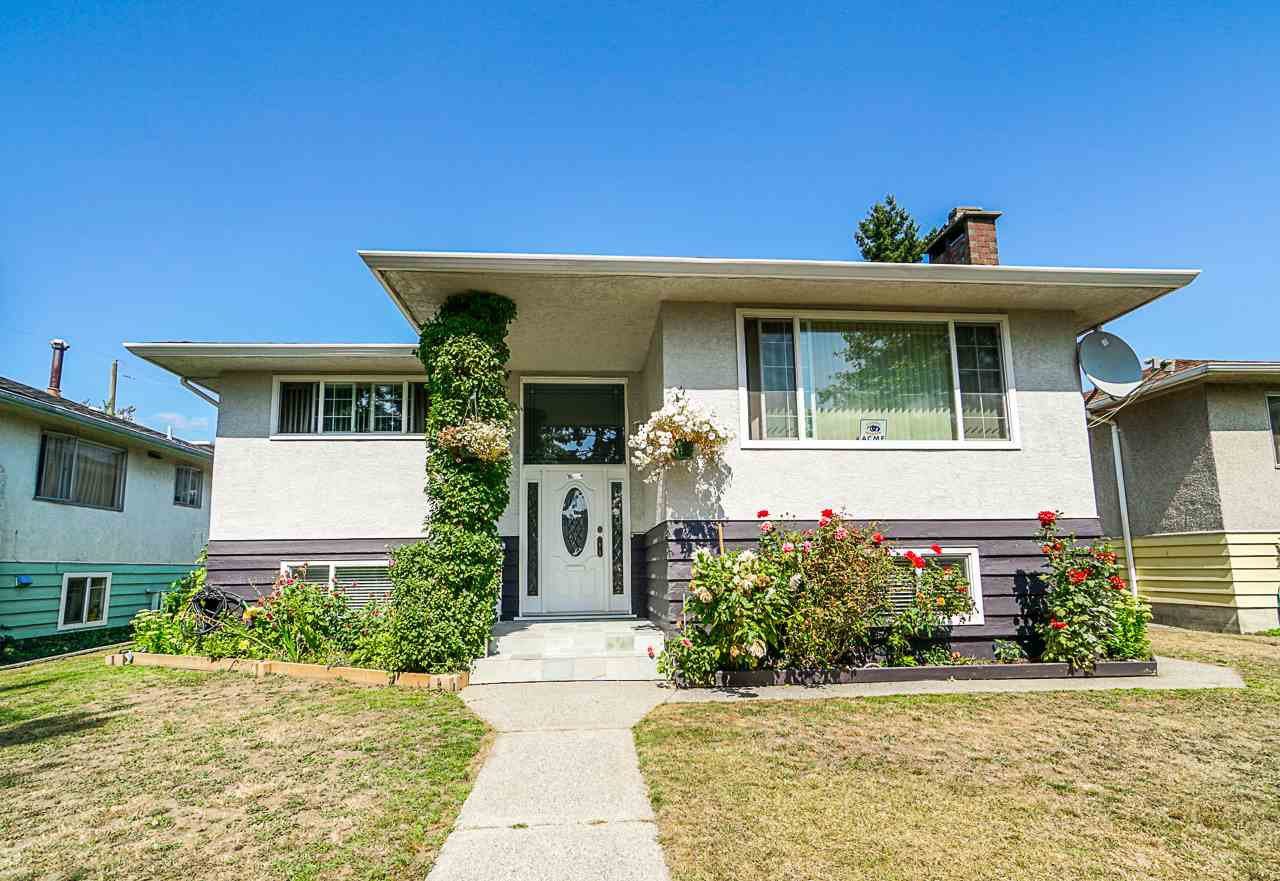 Main Photo: 1437 E 63RD Avenue in Vancouver: Fraserview VE House for sale (Vancouver East)  : MLS®# R2426997