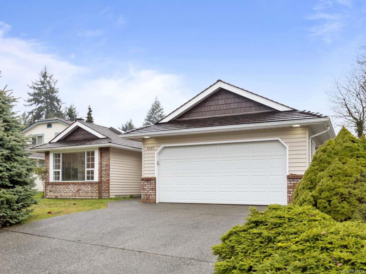 Main Photo: 5837 Brigantine Dr in NANAIMO: Na North Nanaimo House for sale (Nanaimo)  : MLS®# 833190