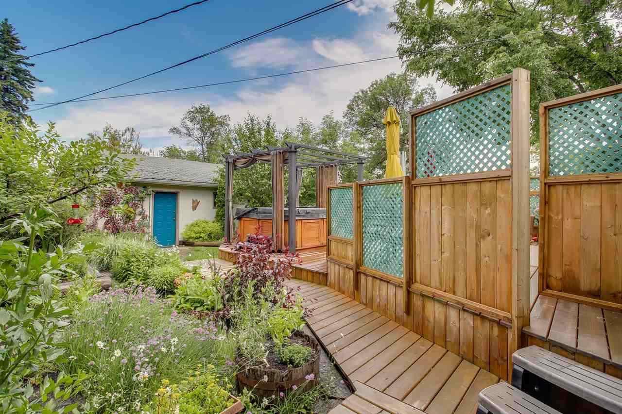 Photo 5: Photos: 14412 97 Avenue in Edmonton: Zone 10 House for sale : MLS®# E4196209