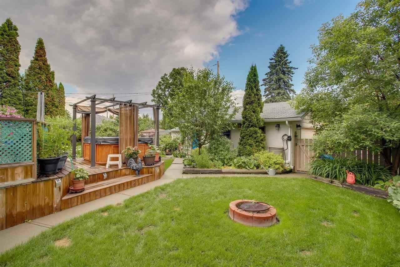 Photo 2: Photos: 14412 97 Avenue in Edmonton: Zone 10 House for sale : MLS®# E4196209