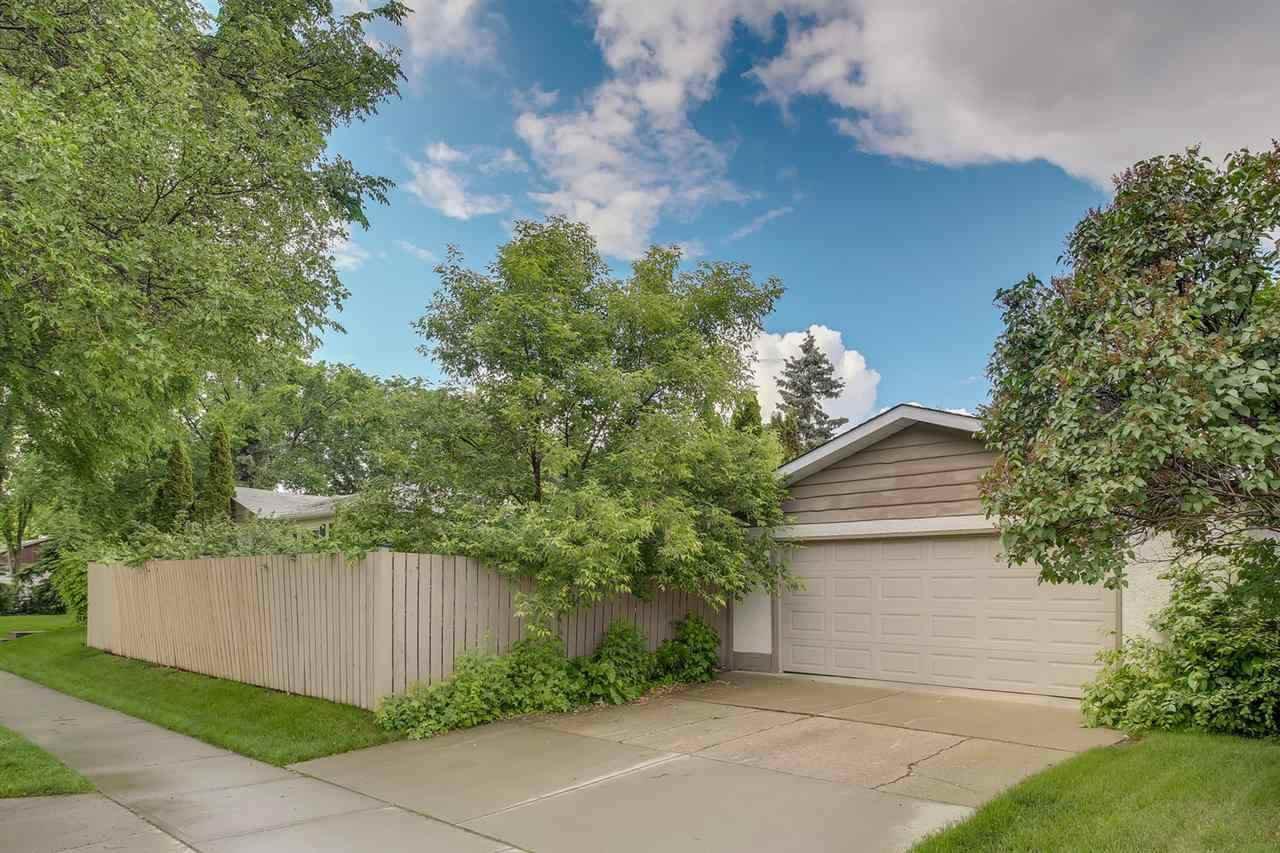 Photo 7: Photos: 14412 97 Avenue in Edmonton: Zone 10 House for sale : MLS®# E4196209