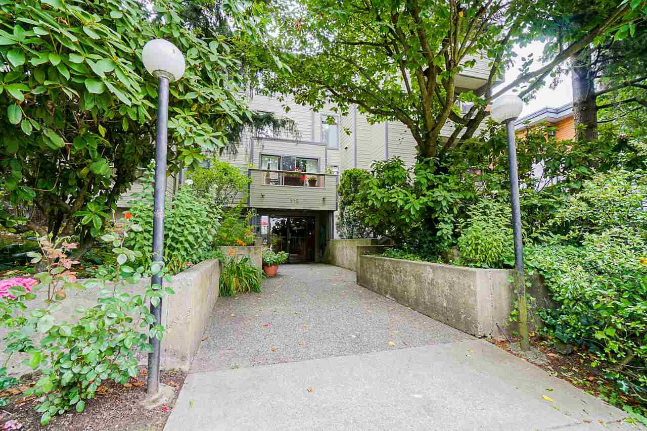 "Main Photo: 301 225 MOWAT Street in New Westminster: Uptown NW Condo for sale in ""The Windsor"" : MLS®# R2479995"