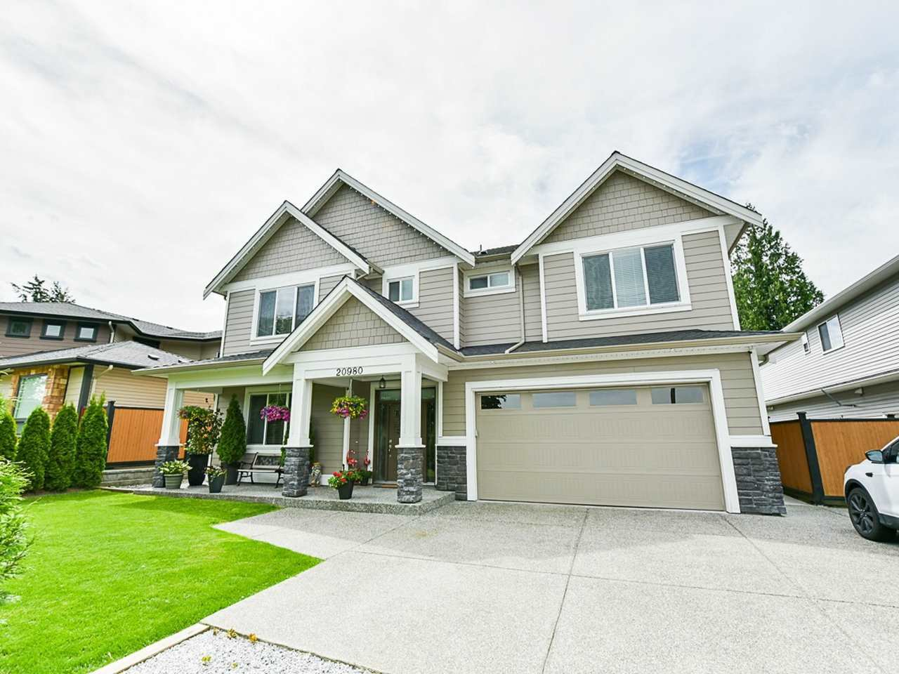 Main Photo: 20980 123 Avenue in Maple Ridge: Northwest Maple Ridge House for sale : MLS®# R2483461