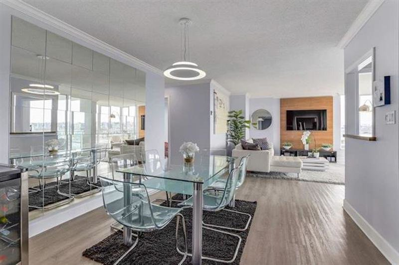 Main Photo: 1507 1500 HOWE Street in Vancouver: Yaletown Condo for sale (Vancouver West)  : MLS®# R2490562