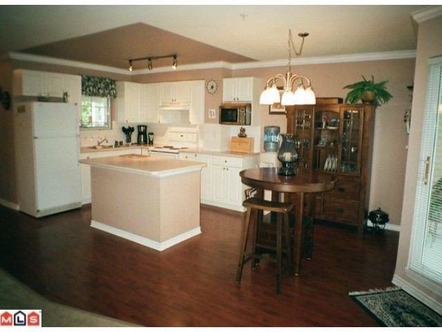 """Photo 5: Photos: 7 9036 208TH Street in Langley: Walnut Grove Townhouse for sale in """"HUNTERS GLEN"""" : MLS®# F1220851"""