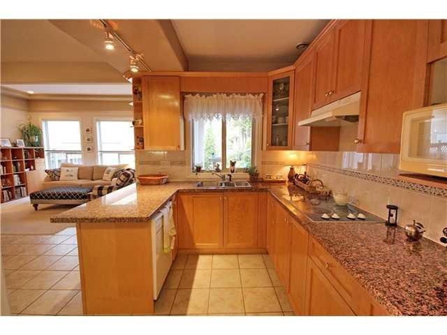 """Photo 4: Photos: 6216 SPERLING Avenue in Burnaby: Upper Deer Lake 1/2 Duplex for sale in """"UPPER DEER LAKE"""" (Burnaby South)  : MLS®# V998192"""