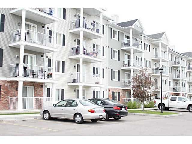 Main Photo: 4409 31 COUNTRY VILLAGE Manor NE in : Country Hills Village Condo for sale (Calgary)  : MLS®# C3575740