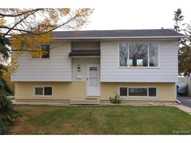 Main Photo: 97 Abbotsford Cres: Residential for sale : MLS®# 1323827
