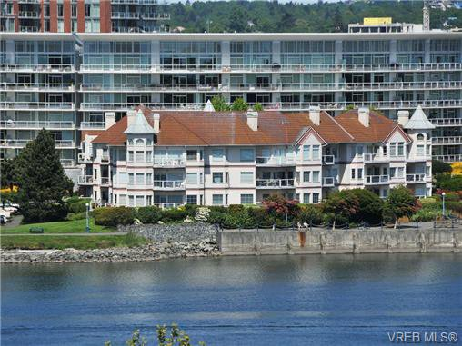 Main Photo: 102 55 Songhees Rd in VICTORIA: VW Songhees Condo for sale (Victoria West)  : MLS®# 677615