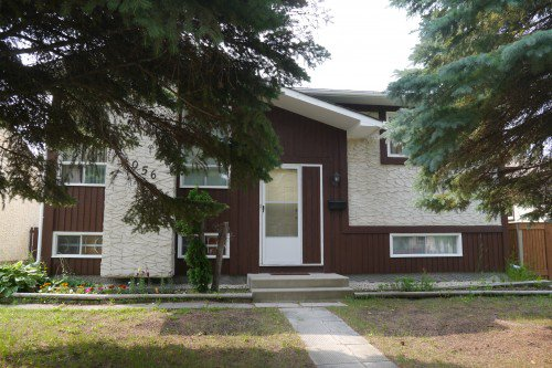 Main Photo: 1056 Chancellor Drive in Winnipeg: Waverley Heights Single Family Detached for sale (South Winnipeg)  : MLS®# 1428063