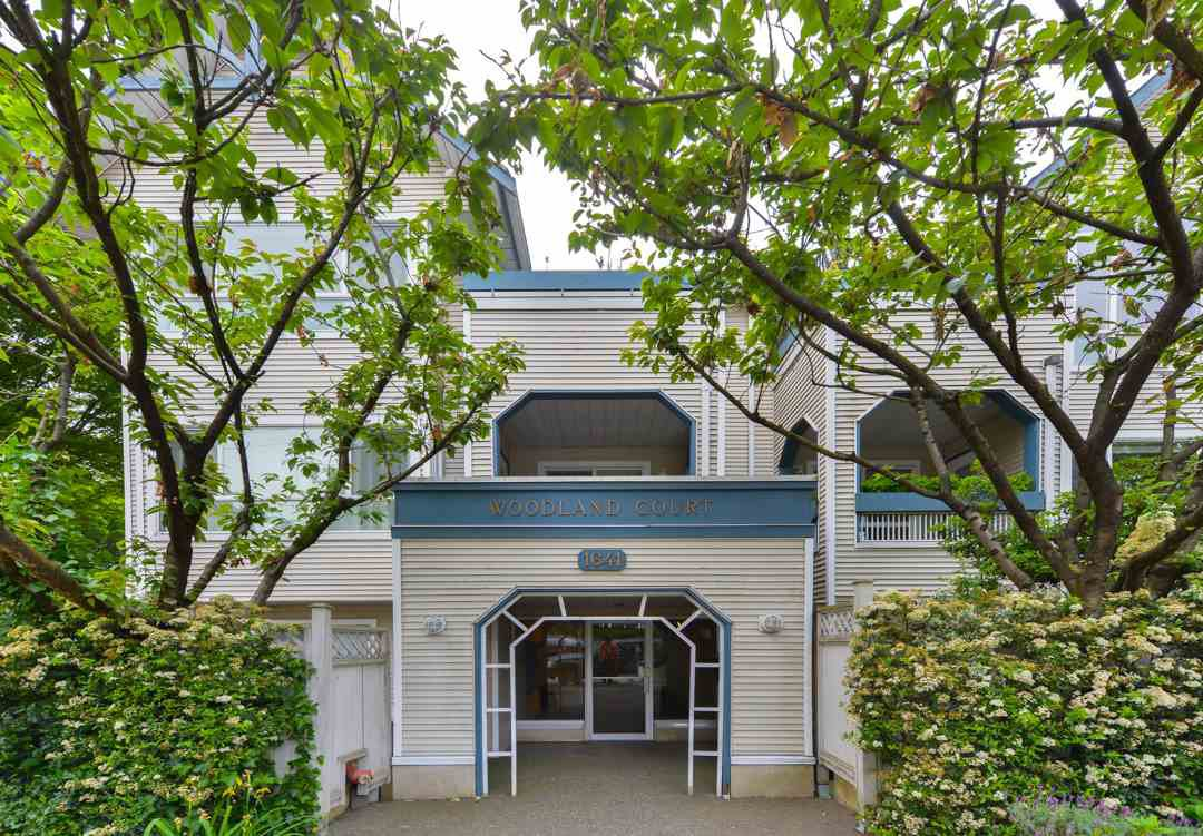 Main Photo: 201 1641 WOODLAND DRIVE in Vancouver: Grandview VE Condo for sale (Vancouver East)  : MLS®# R2070144