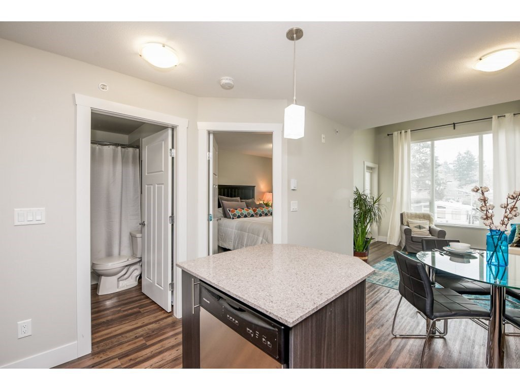 Photo 10: Photos: 403-2565 Campbell Avenue in Abbotsford: Abbotsford East Condo for rent