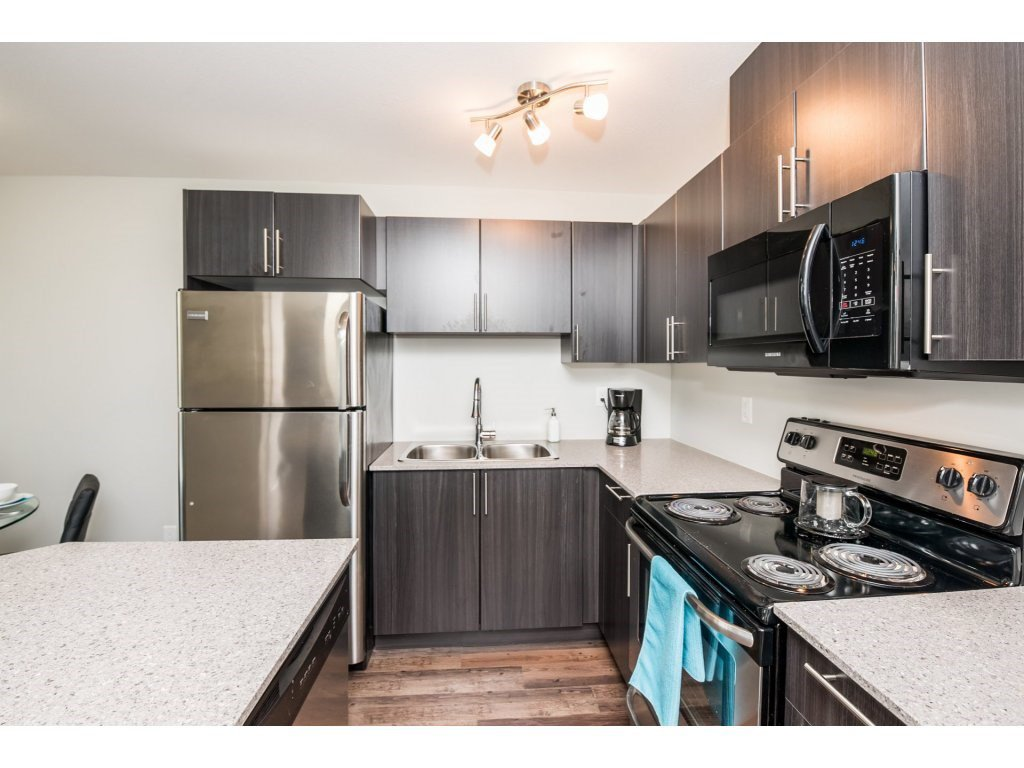 Photo 12: Photos: 403-2565 Campbell Avenue in Abbotsford: Abbotsford East Condo for rent