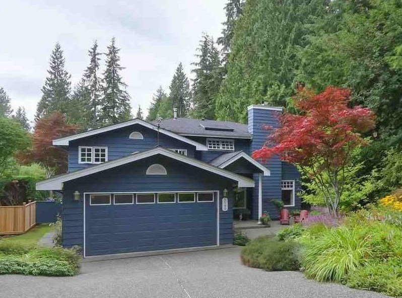 Main Photo: 5195 SARITA Avenue in North Vancouver: Canyon Heights NV House for sale : MLS®# R2396162