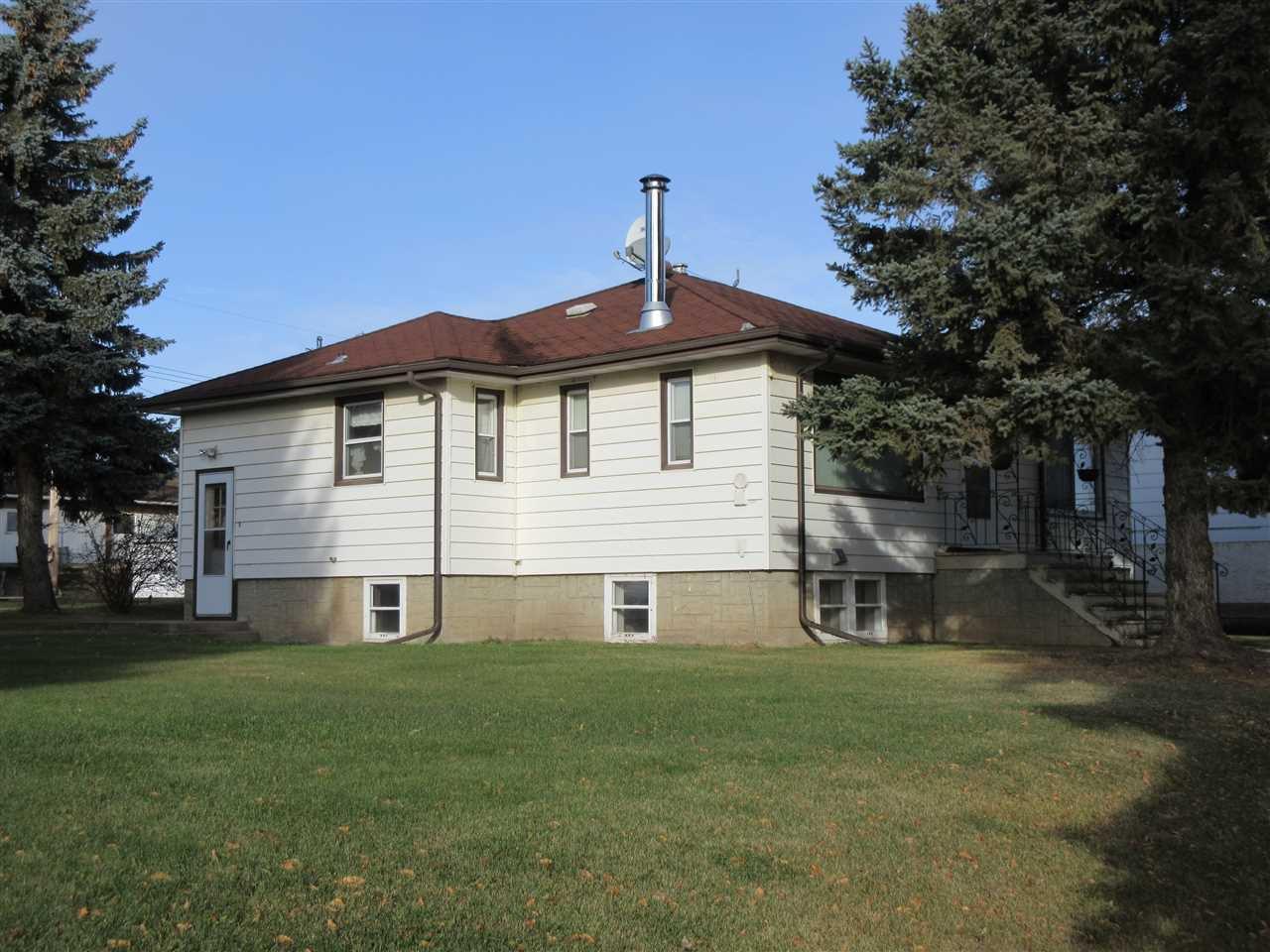 Main Photo: 418 3 Street: Thorhild House for sale : MLS®# E4178166