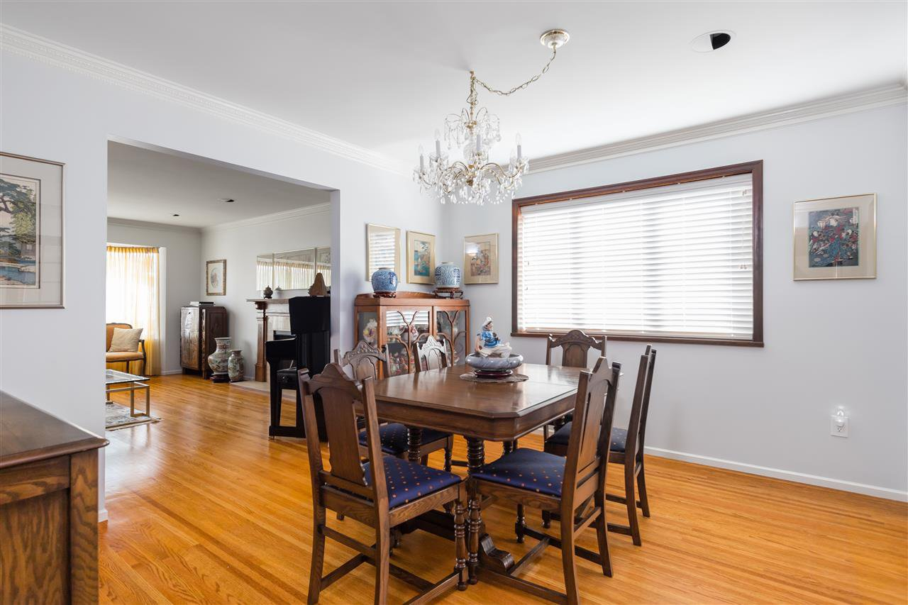 Photo 3: Photos: 366 W 26TH Avenue in Vancouver: Cambie House for sale (Vancouver West)  : MLS®# R2449624