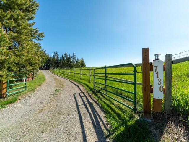 Main Photo: 7130 BLACKWELL ROAD in Kamloops: Barnhartvale House for sale : MLS®# 156375