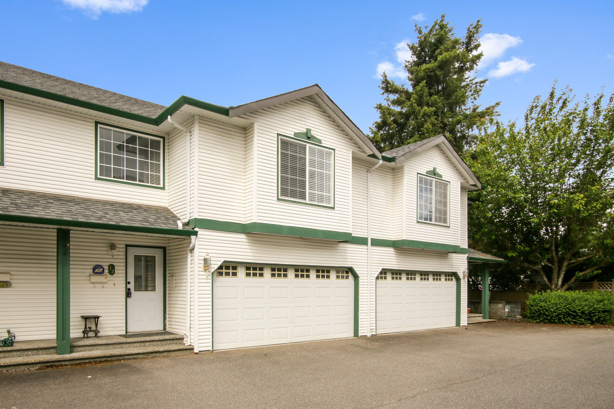 """Main Photo: 12 45932 LEWIS Avenue in Chilliwack: Chilliwack N Yale-Well Townhouse for sale in """"Orchard Lane"""" : MLS®# R2459187"""