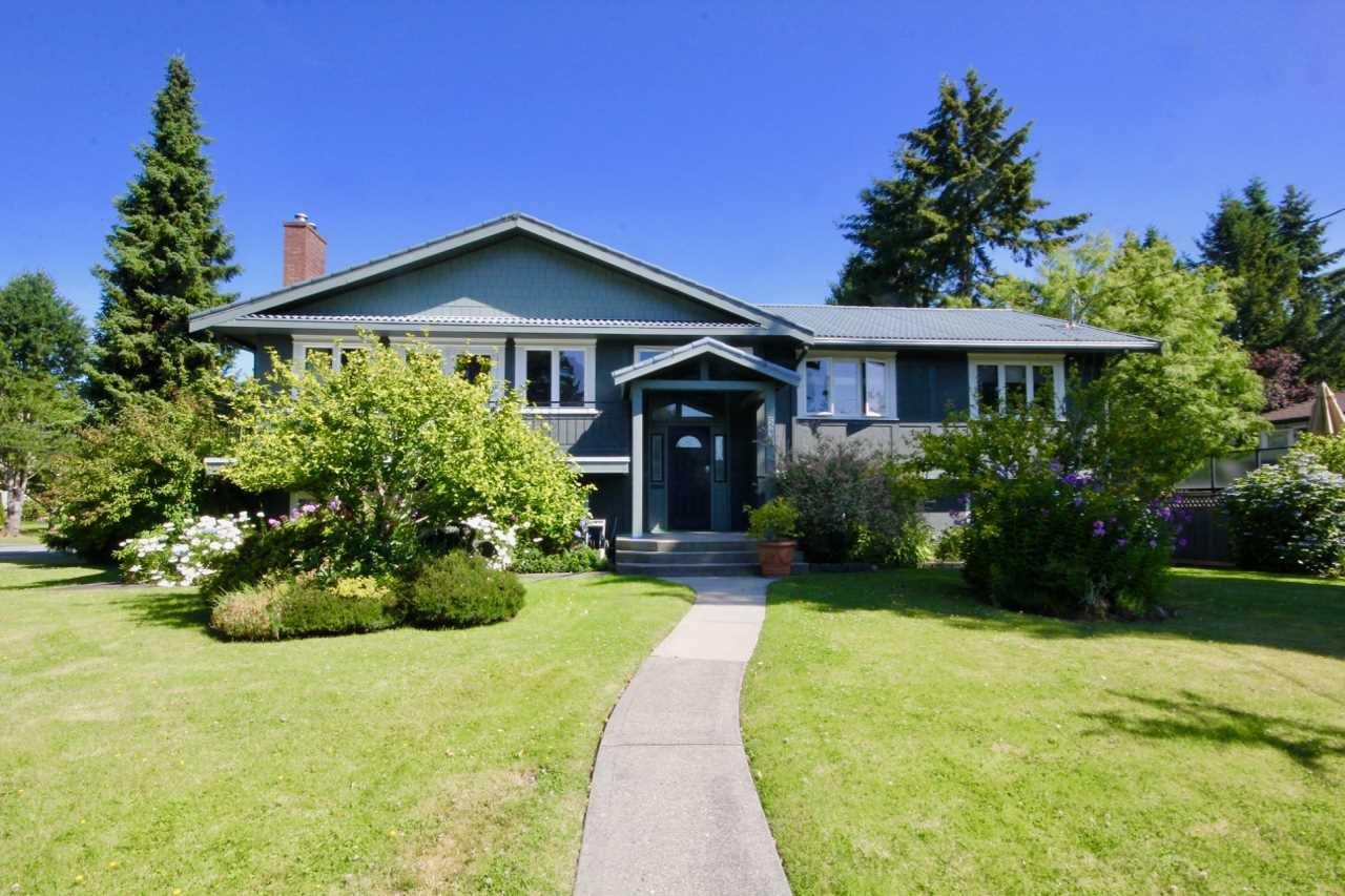 Main Photo: 5235 11 Avenue in Delta: Tsawwassen Central House for sale (Tsawwassen)  : MLS®# R2475558