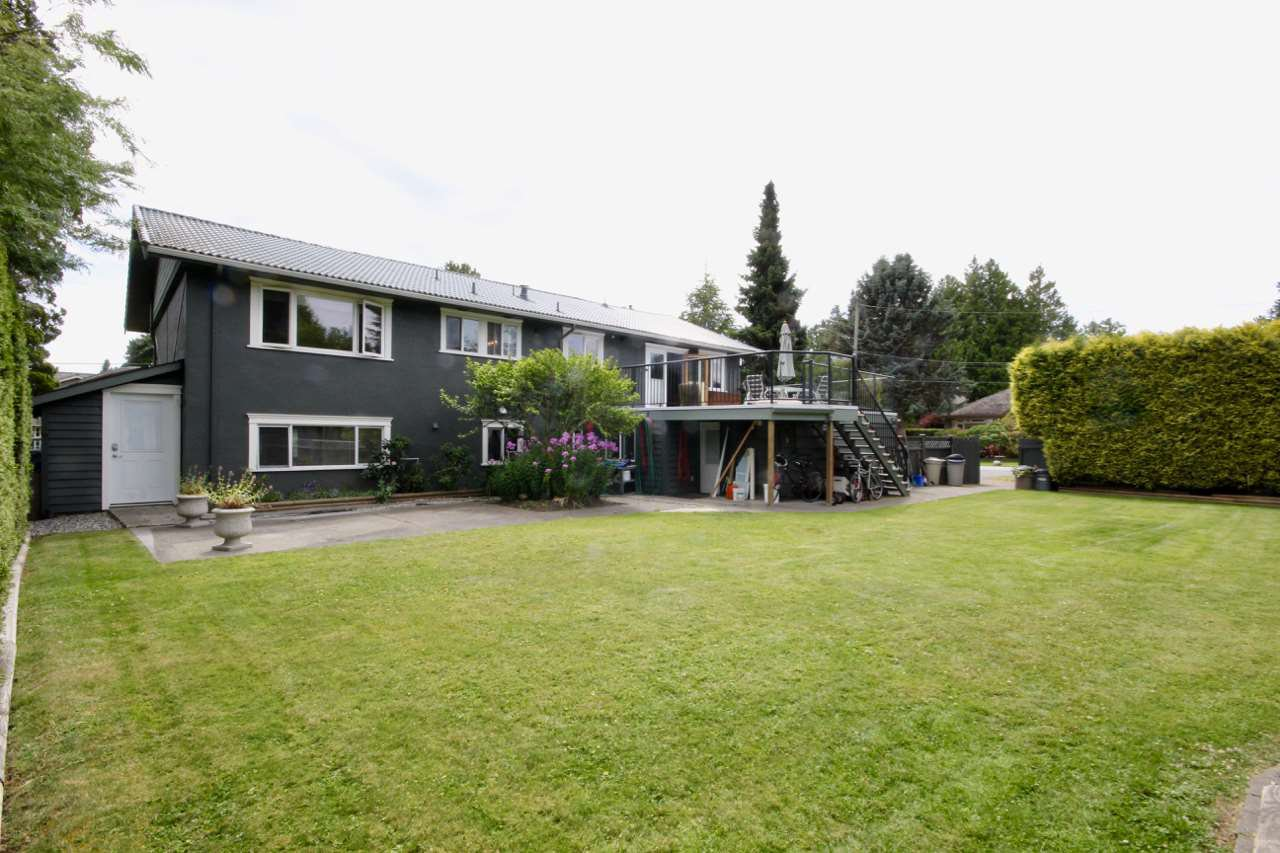 Main Photo: 5235 11 Avenue in Delta: Tsawwassen Central House for sale (Tsawwassen)  : MLS®# R2475558