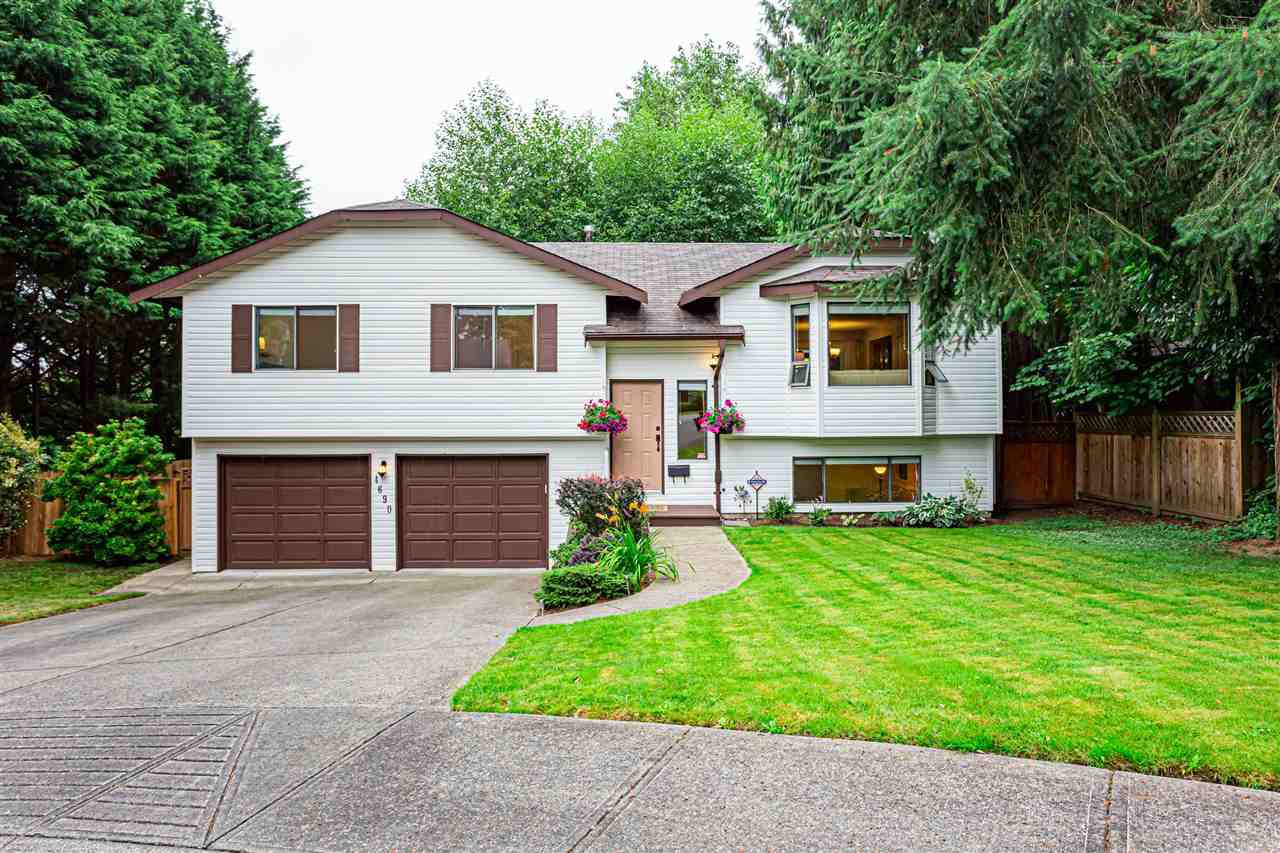 Main Photo: 4690 199 Street in Langley: Langley City House for sale : MLS®# R2484843