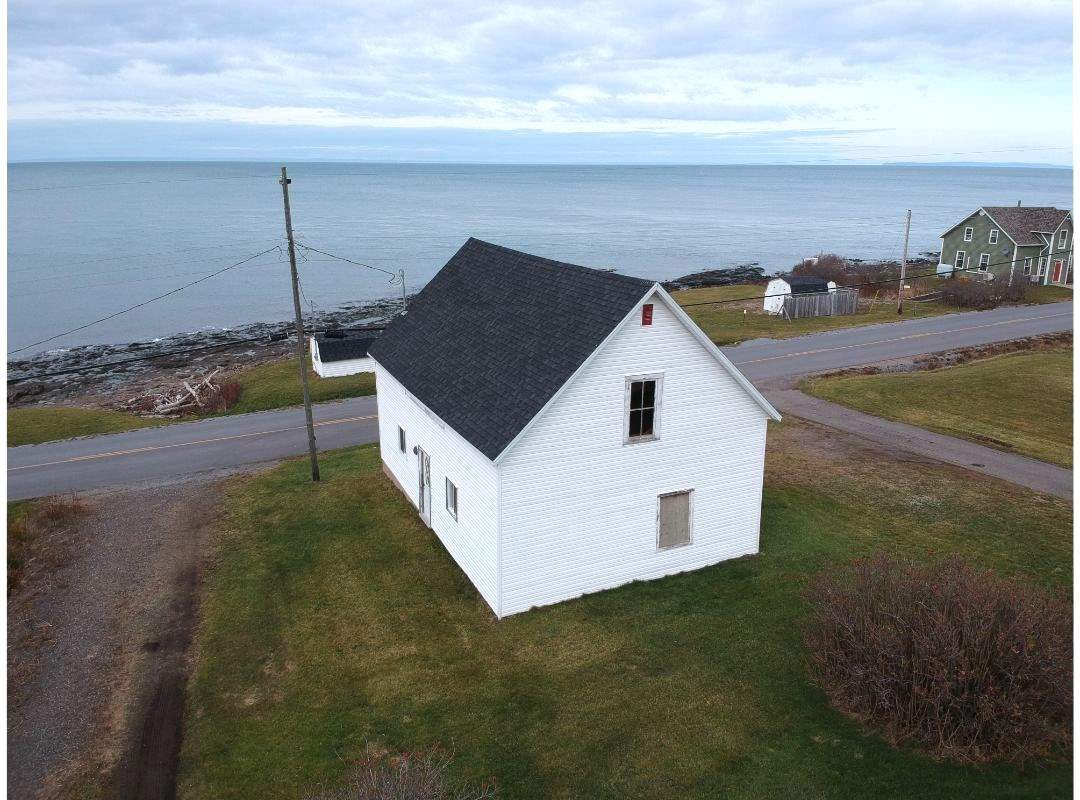 Main Photo: 12410 Shore Road in Port George: 400-Annapolis County Residential for sale (Annapolis Valley)  : MLS®# 202024691