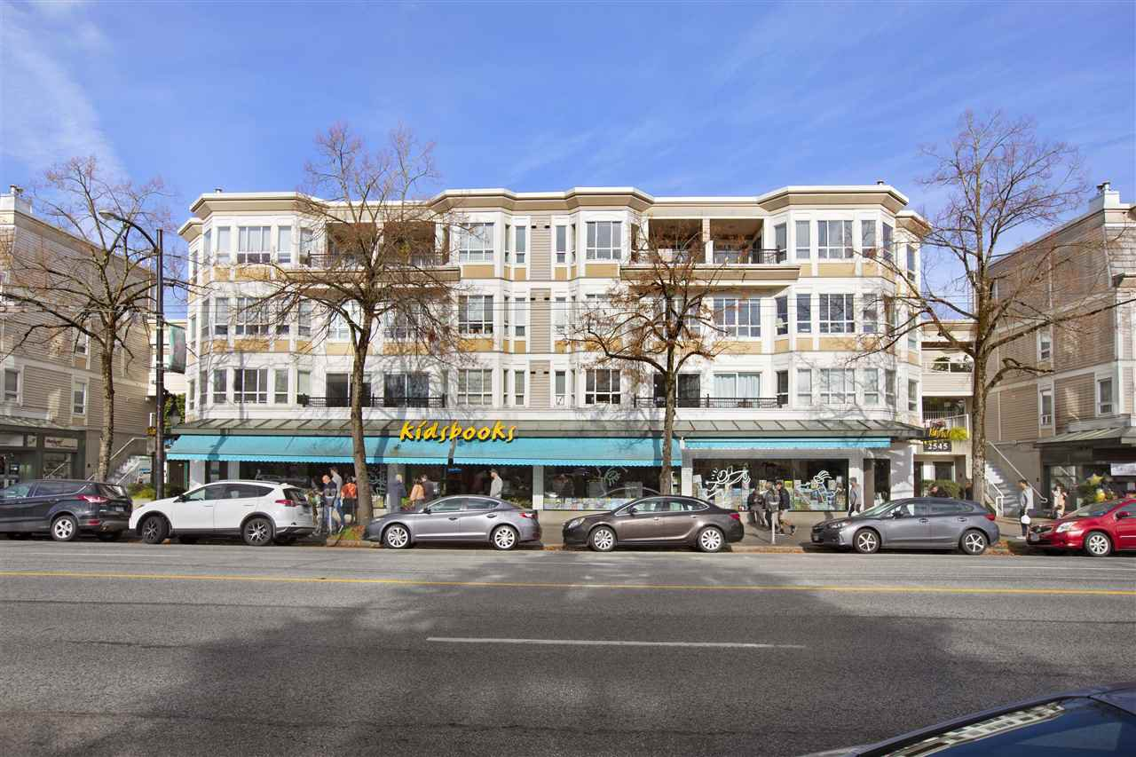 "Main Photo: 304 2545 W BROADWAY in Vancouver: Kitsilano Condo for sale in ""Trafalgar Mews"" (Vancouver West)  : MLS®# R2522107"