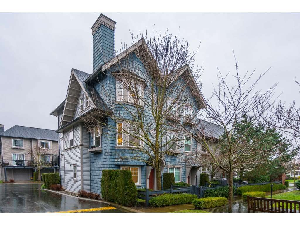 "Main Photo: 7 6450 187 Street in Surrey: Cloverdale BC Townhouse for sale in ""Hillcrest"" (Cloverdale)  : MLS®# R2526460"