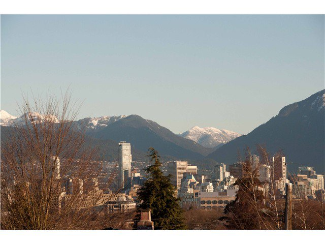 """Main Photo: 620 W 26TH Avenue in Vancouver: Cambie Townhouse for sale in """"GRACE ESTATES"""" (Vancouver West)  : MLS®# V995149"""