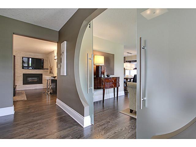 Photo 3: Photos: 2211 LAKE BONAVISTA Drive SE in CALGARY: Lk Bonavista Estates Residential Detached Single Family for sale (Calgary)  : MLS®# C3575324