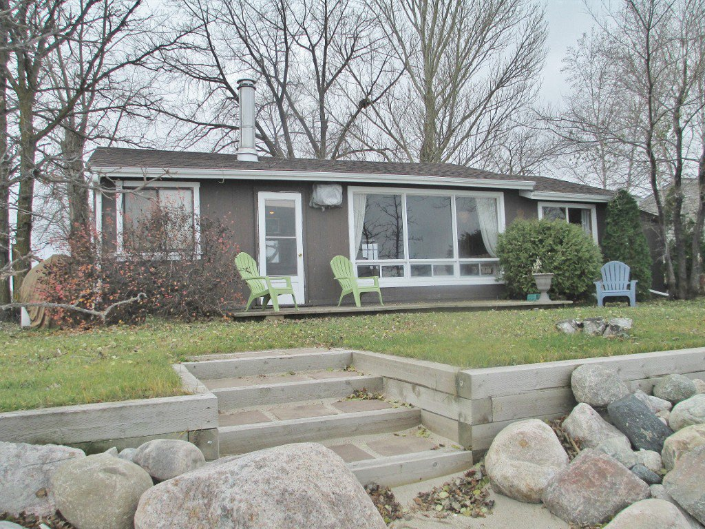 Main Photo: 182 Valhop Drive in RM of Lakeshore: Single Family Detached for sale (Crescent Cove)