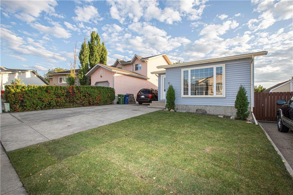 Main Photo: 59 EMBERDALE Way SE: Airdrie Detached for sale : MLS®# C4305530