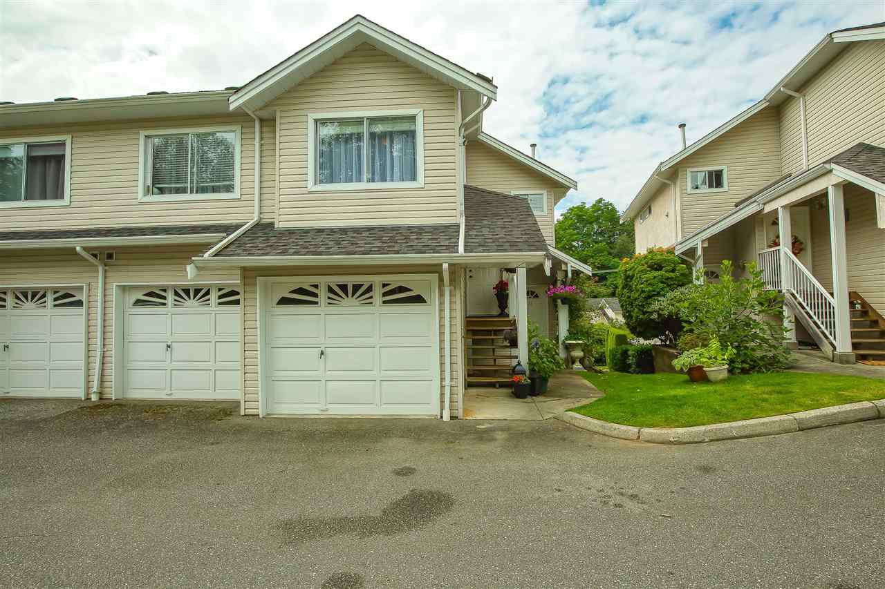 "Main Photo: 32 11588 232ND Street in Maple Ridge: Cottonwood MR Townhouse for sale in ""Cottonwood Village"" : MLS®# R2477068"