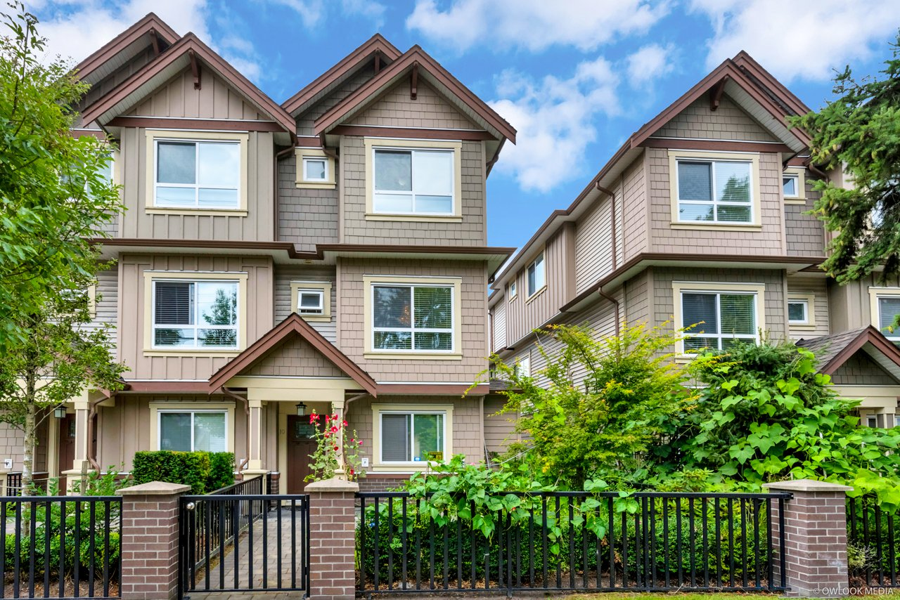 Main Photo: 10 7551 No 2 Road in : Granville Townhouse for sale (Richmond)  : MLS®# R2482127