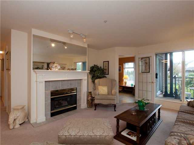 Main Photo: 308 1144 STRATHAVEN Drive in North Vancouver: Northlands Condo for sale : MLS®# V962906
