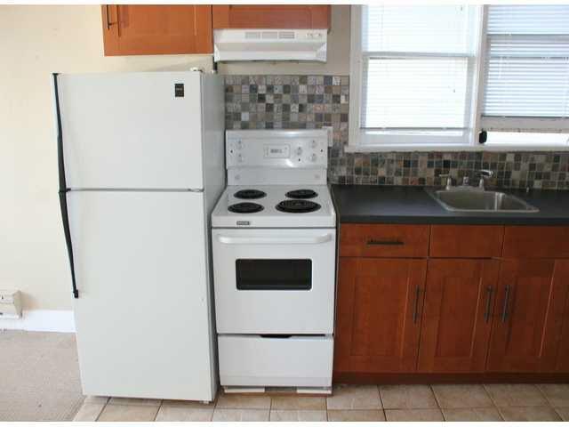 "Photo 16: Photos: 15156 VICTORIA Avenue: White Rock Fourplex for sale in ""WHITE ROCK"" (South Surrey White Rock)  : MLS®# F1418007"