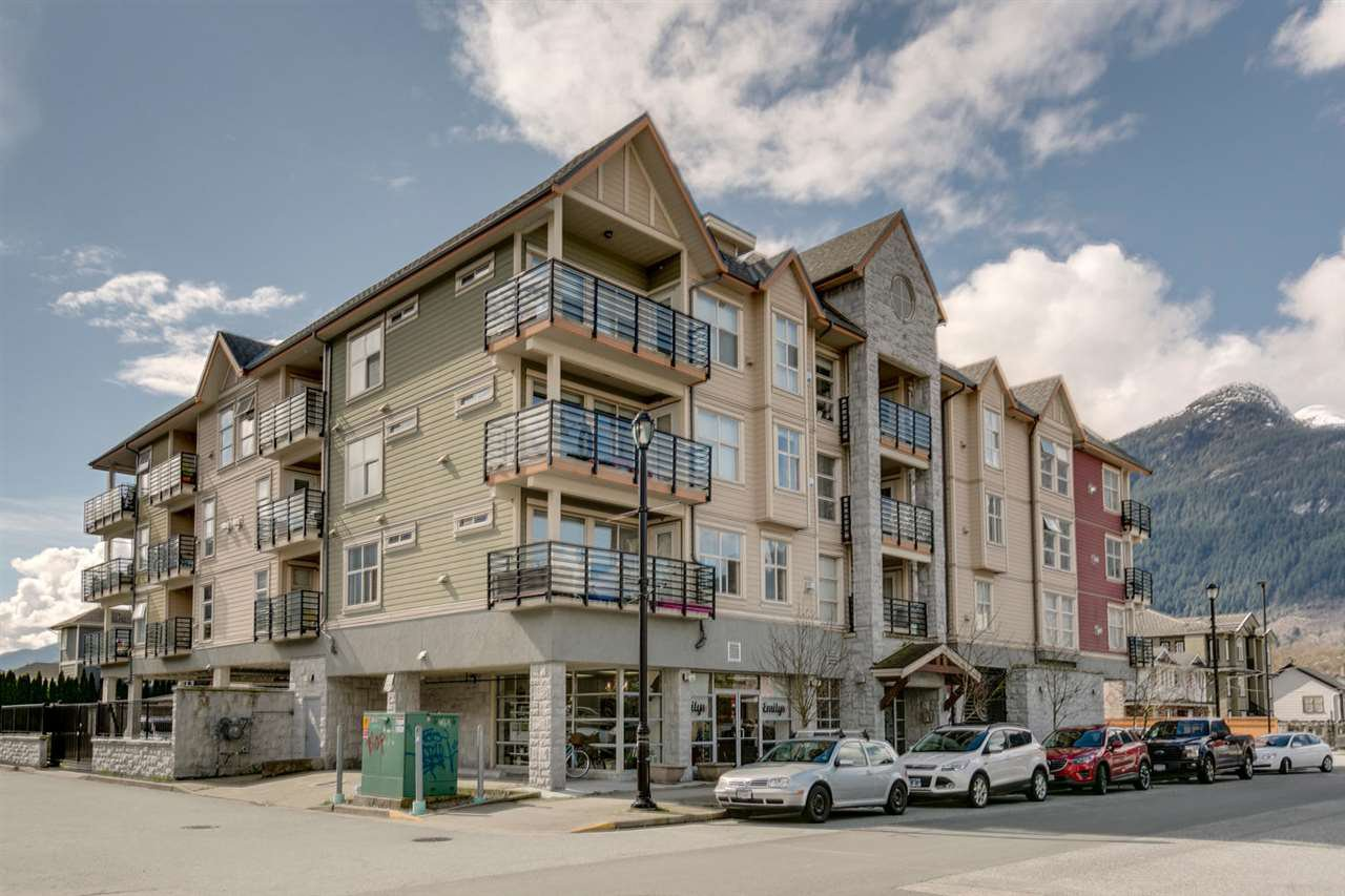 Main Photo: 407 1310 VICTORIA STREET in Squamish: Downtown SQ Condo for sale : MLS®# R2050753