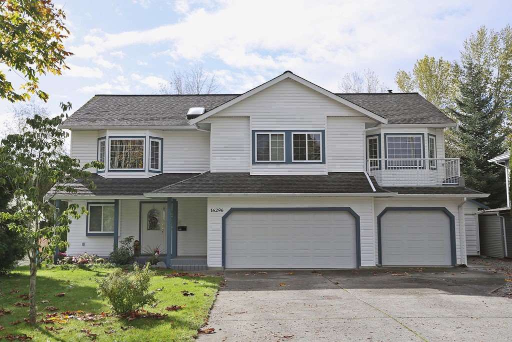 Main Photo: 16296 15 AVENUE in south surrey: King George Corridor House for sale (South Surrey White Rock)  : MLS®# R2115386
