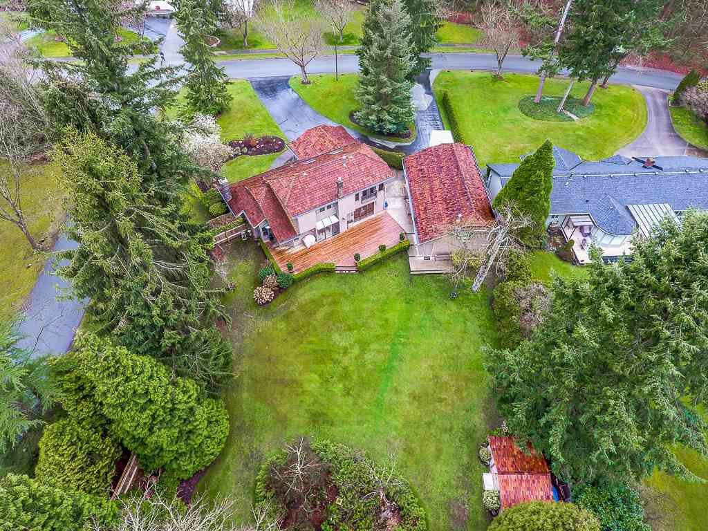 Main Photo: 2916 COUNTRY WOODS DRIVE in Surrey: Grandview Surrey House for sale (South Surrey White Rock)  : MLS®# R2350400
