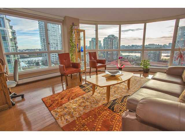 """Main Photo: 1005 283 DAVIE Street in Vancouver: Yaletown Condo for sale in """"PACIFIC PLAZA"""" (Vancouver West)  : MLS®# V987240"""