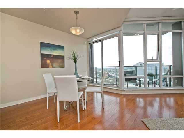 """Photo 38: Photos: 3202 583 BEACH Crescent in Vancouver: Yaletown Condo for sale in """"TWO PARKWEST"""" (Vancouver West)  : MLS®# V1008812"""